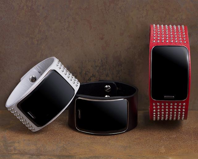 Diesel Black Gold Introduces Custom Samsung Gear S