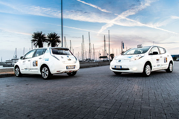 First Electric Nissan LEAF Taxi Arrives In Rome