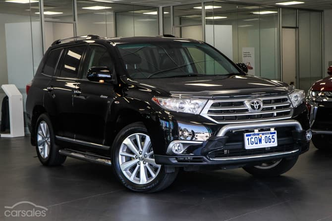 Toyota Kluger Black